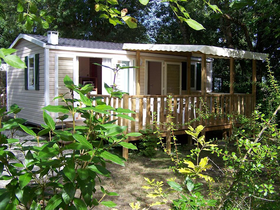 Camping fleurs des champs 3 toiles vos vacances en for Camping saint georges de didonne avec piscine